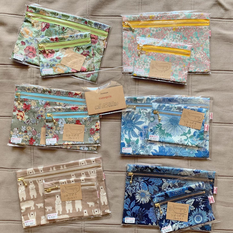 いつも仲良くさせて頂いている「おやつえん」さんで販売して頂ける事になりました。何がよいかな〜といろいろ考えて先ずはラミネートポーチを納品させて頂きました。予備のマスクを携帯するのに便利なサイズと。ポイントカードなどが入るサイズ、ポイントカードだけじゃなく目薬とかリップとかバンドクリームとか、バックの中の整理に便利です。清水方面にお出掛けの際は是非お立ち寄りください。#おやつえん#しずおか #しみず#静岡スイーツ#静岡スイーツ巡り #バターもち #tomoprix